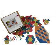 Set Tangram 250 piese - din lemn reciclat imagine librariadelfin.ro