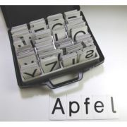 Set litere magnetice - 340 de carduri magnetice cu litere mari si mici imagine librariadelfin.ro